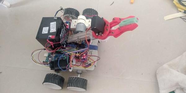 Cyborg(Wireless Pick and place bot)